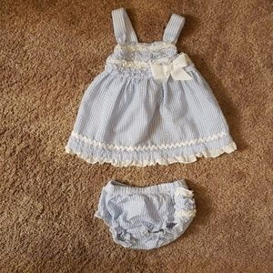 Beautiful babyessentials blue and white set 3 Mo.